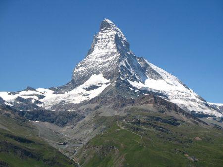 Impresionante vista de esa pirámide natural que es el Cervino