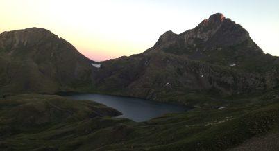 Lago y segundo amanecer