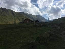 Llegando al Refugio Bonatti